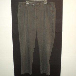 Dockers Recode Men's 44W x 32L Gray Chino Pants